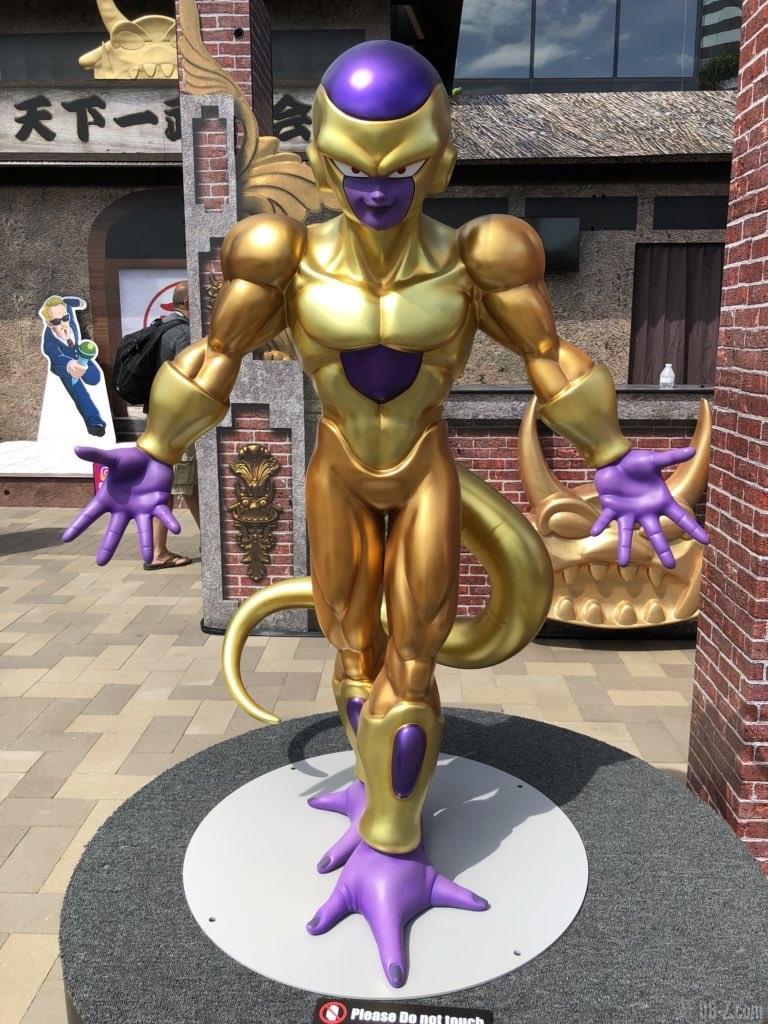 Comic Con 2018 San Diego - Film Dragon Ball Super Broly Golden Freezr