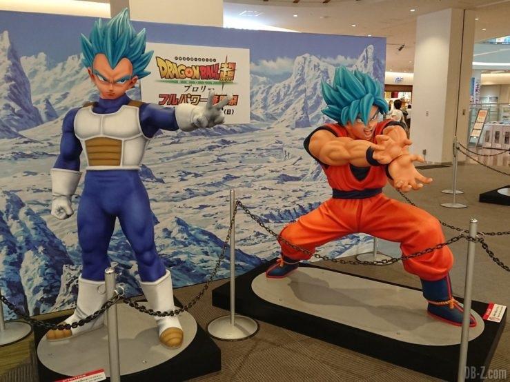 Statues de Vegeta et Goku SSB