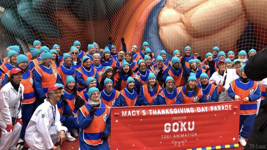 Léquipe du Goku gonflable géant Macys Thanksgiving Parade