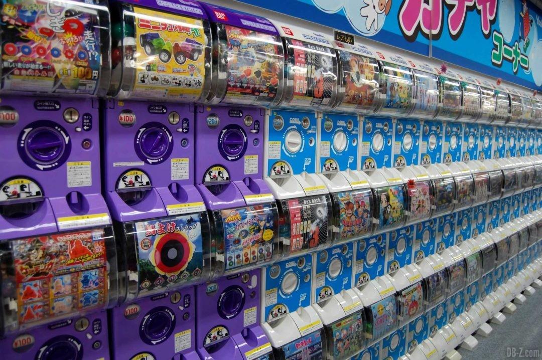 Distributeur Gashapon au Japon