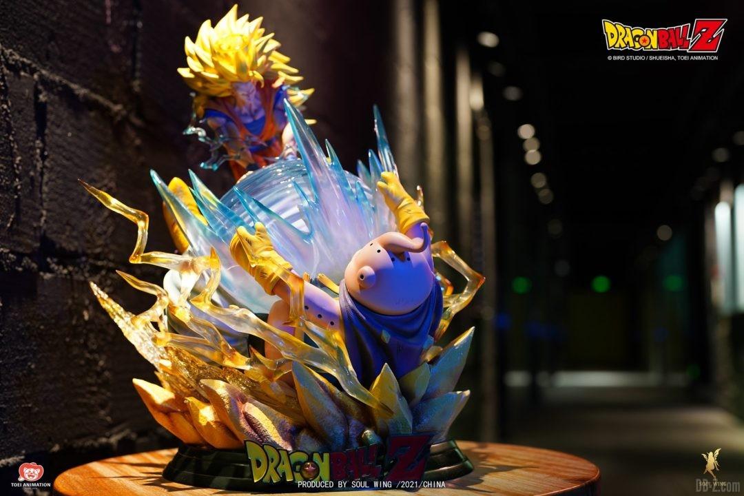 Goku-Super-Saiyan-3-vs-Buu-Soul-Wing-Image-1