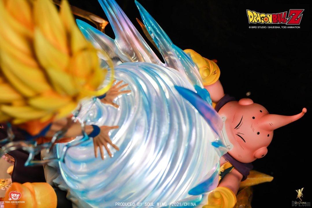 Goku-Super-Saiyan-3-vs-Buu-Soul-Wing-Image-3
