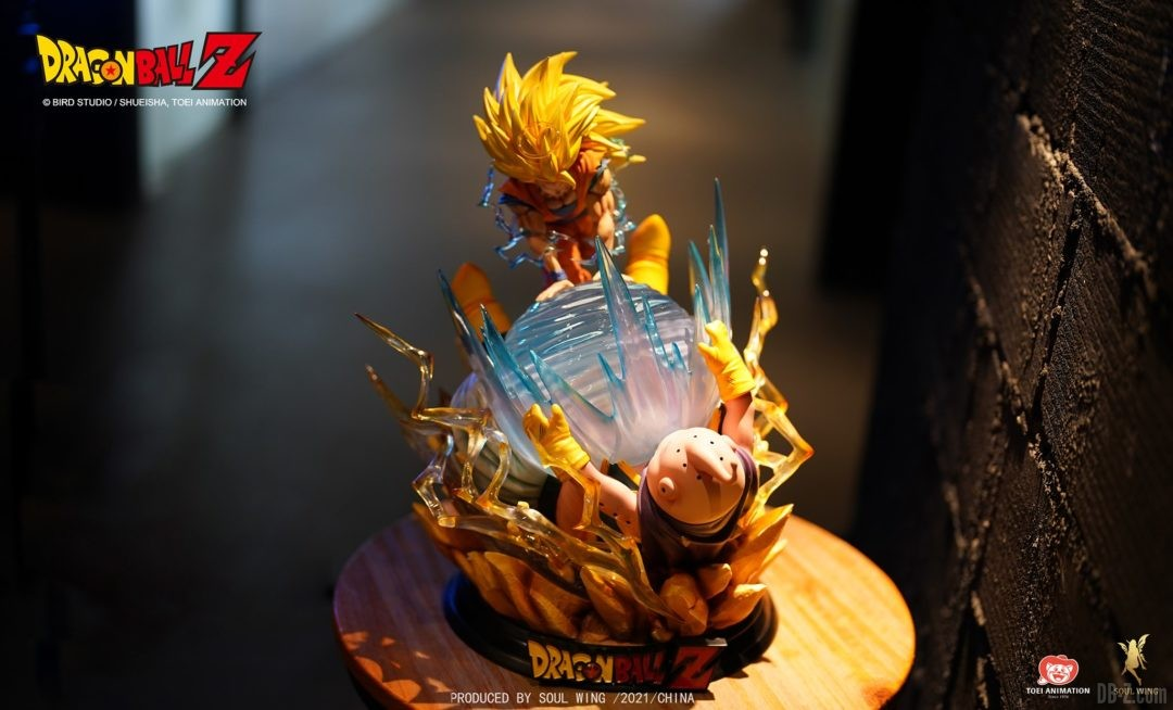 Goku-Super-Saiyan-3-vs-Buu-Soul-Wing-Image-6