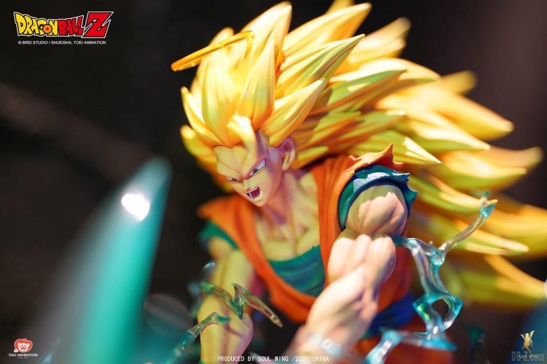 Goku-Super-Saiyan-3-vs-Buu-Soul-Wing-Image-9